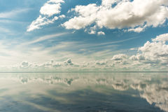 Salt See Elton und Reflexion stockfotos