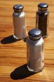 salt shakers för peppar Fotografering för Bildbyråer
