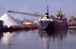 salt ship för detroit påfyllningrock Royaltyfri Bild