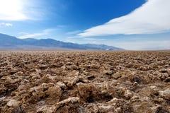Salta bildande på jäkelgolfbanan i den Death Valley nationalparken, Kalifornien Arkivbilder
