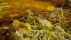 Salta strukturnärbilden inom Dallol den vulkaniska krater i den Danakil fördjupningen som är avlägsen, Etiopien Arkivfoton