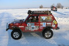 SALTAC-KOREM, РОССИЯ - 11-ОЕ ФЕВРАЛЯ 2018: Виллисы зимы доработанные автосалоном - заморозьте замешивать 2018 ехать на доработанн Стоковое Изображение RF