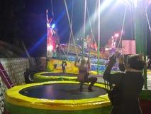 Saltando di Niña immagine stock