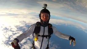 Saltar en caída libre el vídeo. almacen de metraje de vídeo