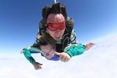Saltar en caída libre la cabeza grande en tándem Imagen de archivo