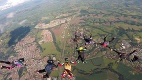 Saltar en caída libre la formación del grupo almacen de metraje de vídeo