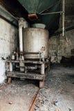 Saltatore d'argento - vecchia distilleria abbandonata del corvo - il Kentucky immagini stock libere da diritti