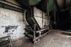 Saltatore d'argento - vecchia distilleria abbandonata del corvo - il Kentucky fotografie stock