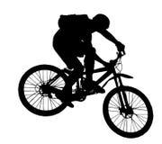 Salte com uma bicicleta de montanha Fotografia de Stock