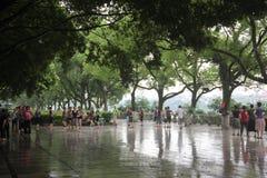 Salte a dança quadrada para as pessoas idosas em GUILIN, CHINA, ÁSIA Fotografia de Stock