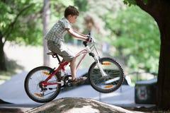 Salte en la bici imagen de archivo libre de regalías