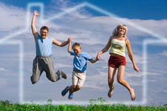 Salte a família feliz Fotografia de Stock Royalty Free