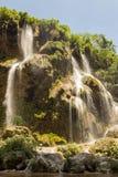Salti in serie di aguacero della cascata fotografie stock libere da diritti