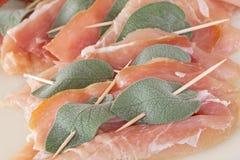 Saltimbocca con carne di pollo fotografia stock