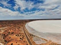 Saltlake no deserto perto de Adelaide fotos de stock royalty free
