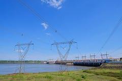 Salto,乌拉圭, 2018年1月06日:与氢结合的电电能源厂,里约乌拉圭Embalse萨尔托格兰德, Salto 库存图片