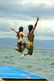 Salto al mar imagen de archivo libre de regalías