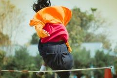 Salto alto dos exames da tomada da categoria 3 dos estudantes de Elemantary fotos de stock