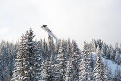 Salto de esquí en Strbskie Pleso, Eslovaquia Foto de archivo libre de regalías