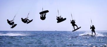 Salto de Kiteriding Imagenes de archivo