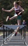 Salto de longitud de la pista de la escuela secundaria Imagen de archivo