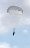 Salto de paracaídas Fotografía de archivo