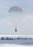 Salto de paracaídas Fotos de archivo