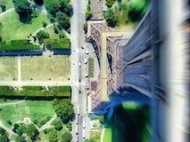 Salto de torre Eiffel Imagen de archivo libre de regalías