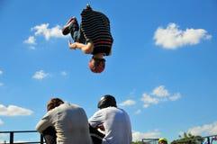 Salto del Rollerskating Fotografía de archivo