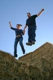 Salto delle coppie di fede Fotografie Stock Libere da Diritti