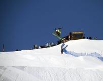 Salto dello Snowboard Fotografie Stock Libere da Diritti