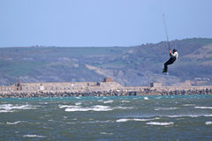 Salto di Kitesurfer Fotografia Stock Libera da Diritti