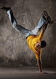 Salto do homem novo   Fotos de Stock Royalty Free