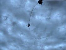Salto do tirante com mola Foto de Stock Royalty Free