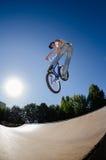 Salto elevado de BMX Imagem de Stock