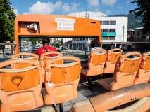 Salto-en el autobús del salto-apagado en Penang, Malasia Fotografía de archivo libre de regalías