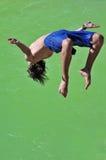 Salto en el verde Foto de archivo libre de regalías