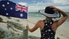 Salto en la playa de Perth almacen de metraje de vídeo