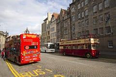 Salto en salto del omnibus Edimburgo Imagen de archivo libre de regalías