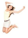 Salto felice della donna di estate Fotografie Stock