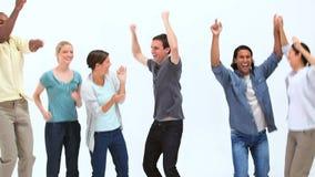 Salto felice della gente stock footage