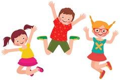 Salto feliz de los niños aislado en el fondo blanco Imágenes de archivo libres de regalías