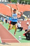 Salto joven de los sportmen Imagen de archivo