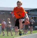 Salto longo da trilha da escola secundária Fotografia de Stock Royalty Free