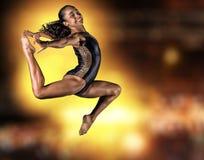 Salto novo da menina da ginasta Fotografia de Stock