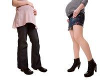 Saltos elevados contra sapatas lisas quando grávido Imagem de Stock