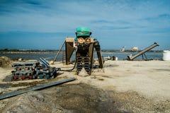 Saltpans в Трапани - машинах Стоковое Изображение