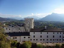 Saltsburg-Ansicht über die Alpen stockbilder
