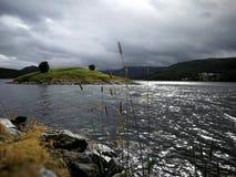 Saltstraumen Un endroit populaire de pêche Photographie stock libre de droits