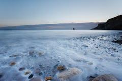 Saltwick海湾在Whitby 免版税库存图片